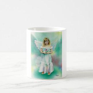 Peu de tasse d'aquarelle de fille d'ange