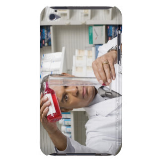 Pharmacist measuring out liquid medicine Case-Mate iPod touch case