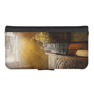 Pharmacy - The apothecarian iPhone SE/5/5s Wallet Case