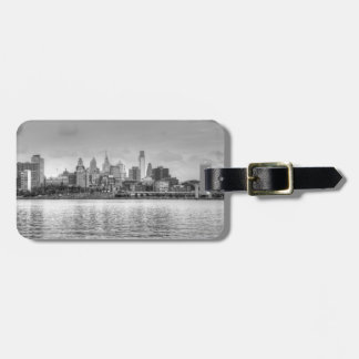 Philadelphia skyline in black and white luggage tag