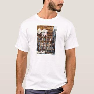 photo-1474128670149-7082a8d370ea T-Shirt