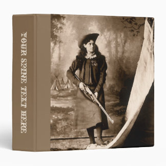 Photo 1898 de Mlle Annie Oakley Holding un fusil Classeur 3,81 Cm