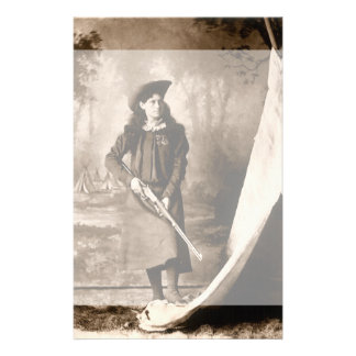 Photo 1898 de Mlle Annie Oakley Holding un fusil Papier À Lettre Customisable