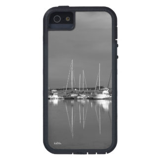 Photo cellular guard black and white, boats iPhone 5 cover