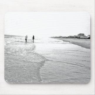 Photo de pêche allante dans noir et le blanc tapis de souris
