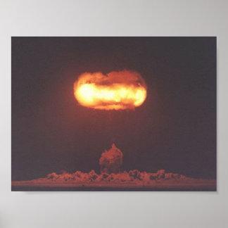 Photo d'essai de bombe nucléaire poster