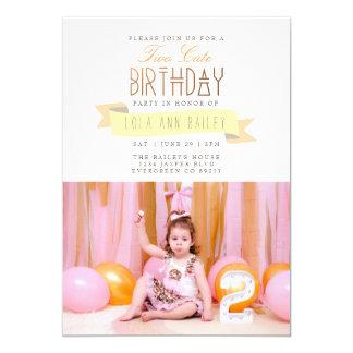Photo mignonne de fête d'anniversaire de deux | carton d'invitation  12,7 cm x 17,78 cm