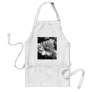 Photo noire et blanche de fleur tabliers