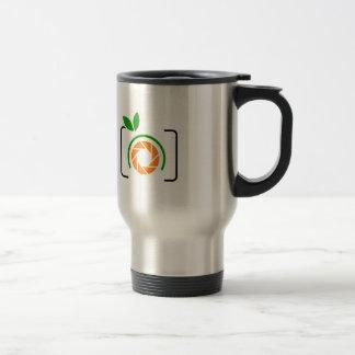 Photo orange with green leaves travel mug
