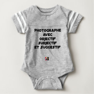 Photographer with subjective and suggestive baby bodysuit