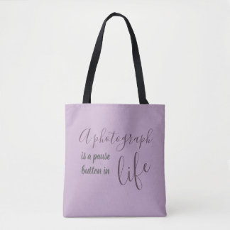 Photographers...live to click tote bag