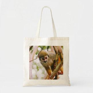 Photographie de singe-écureuil sacs