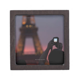 Photographing the Eiffel Tower with a smartphone Premium Jewelry Box