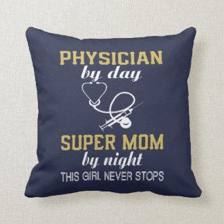 PHYSICIAN MOM THROW PILLOW