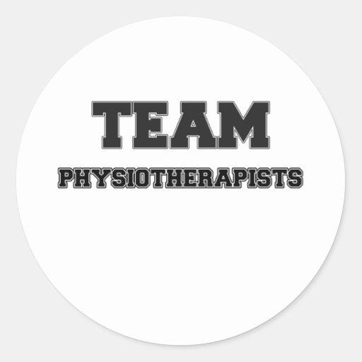 Physiothérapeutes d'équipe adhésif rond