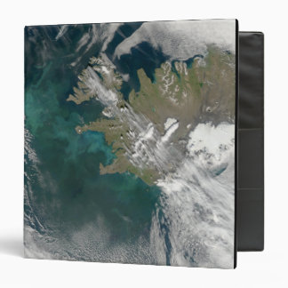 Phytoplankton bloom in the North Atlantic Ocean 3 Ring Binders