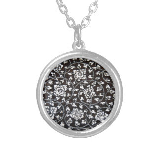 PICTURE 58 SILVER PLATED NECKLACE