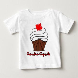 Pièce en t canadienne infantile de petit gâteau t-shirt pour bébé