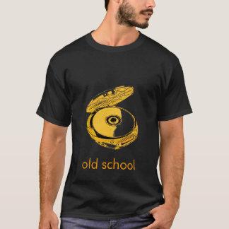 Pièce en t de baladeur CD de vieille école T-shirt