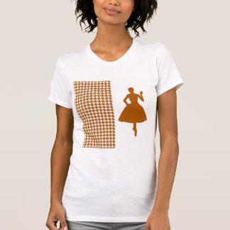 Pied-de-poule moderne de caramel avec la t-shirts