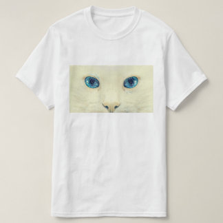 Piercing eyes T-Shirt