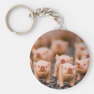 piggies basic round button keychain