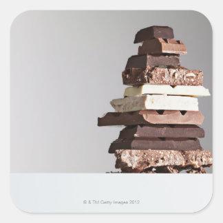 Pile de barres de chocolat stickers carrés