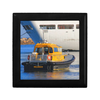 Pilot boat and cruise ship gift box
