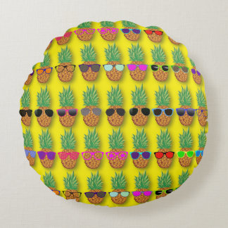 Pineapple Fun! Round Pillow