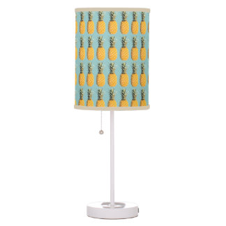 pineapples pattern table lamp
