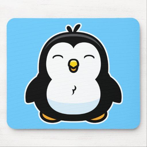 Pingouin de bébé de bande dessinée tapis de souris