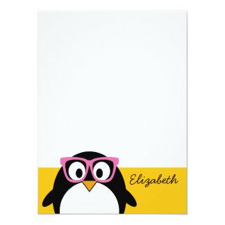 Pingouin de hippie - rose mignon de jaune de bande invitation personnalisée