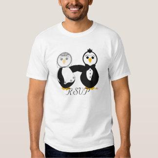 Pingouins obtenant RSVP marié Tee Shirt