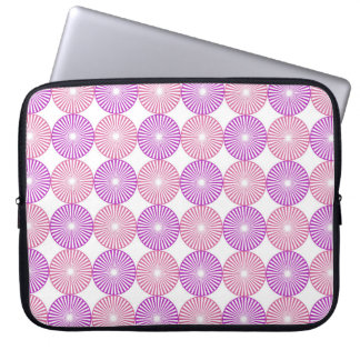 Pink and purple circles pattern laptop sleeve