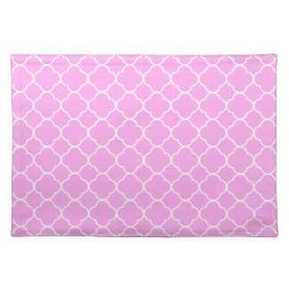 Pink And White Quatrefoil Pattern Placemat