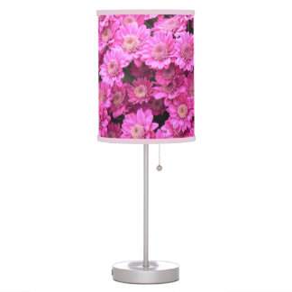Pink daisies table lamp