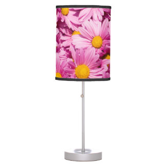 Pink daisy pattern table lamp