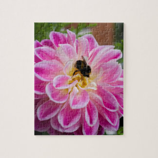 Pink flower with bumblebee puzzle