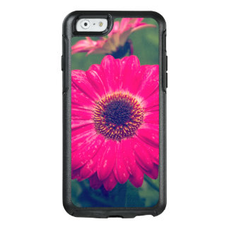 Pink Gerbera Daisy in Bloom OtterBox iPhone 6/6s Case