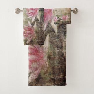 Pink Lotus Grunge Bathroom Towel Set