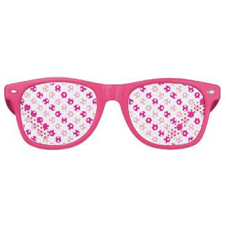 Pink polka dots pattern retro sunglasses