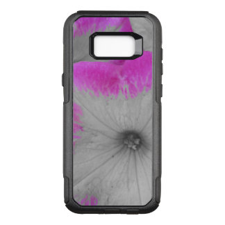 Pink Rimmed black and white petunias OtterBox Commuter Samsung Galaxy S8+ Case