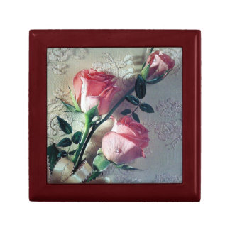 Pink Roses and Lace Gift Box