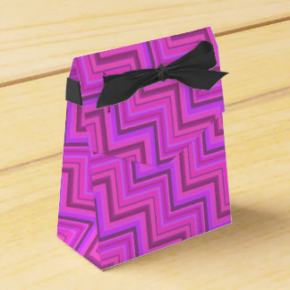 Pink stripes stairs pattern favor box