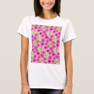 Pink watercolor petunia flower pattern T-Shirt