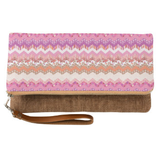 Pink zigzag background clutch