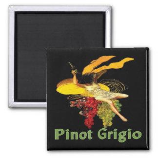 Pinot Grigio Wine Maid Magnet