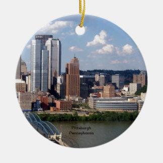 Pittsburgh, Pennsylvania Skyline Round Ceramic Ornament