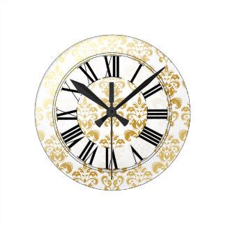 PixDezines lys damask/DIY background color Round Clock