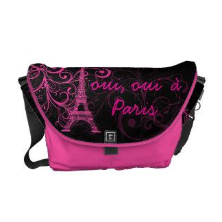 PixDezines oui, oui  à Paris/diy background color Commuter Bag